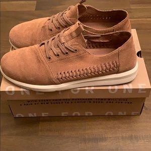 Toms toffee woven suede shoes